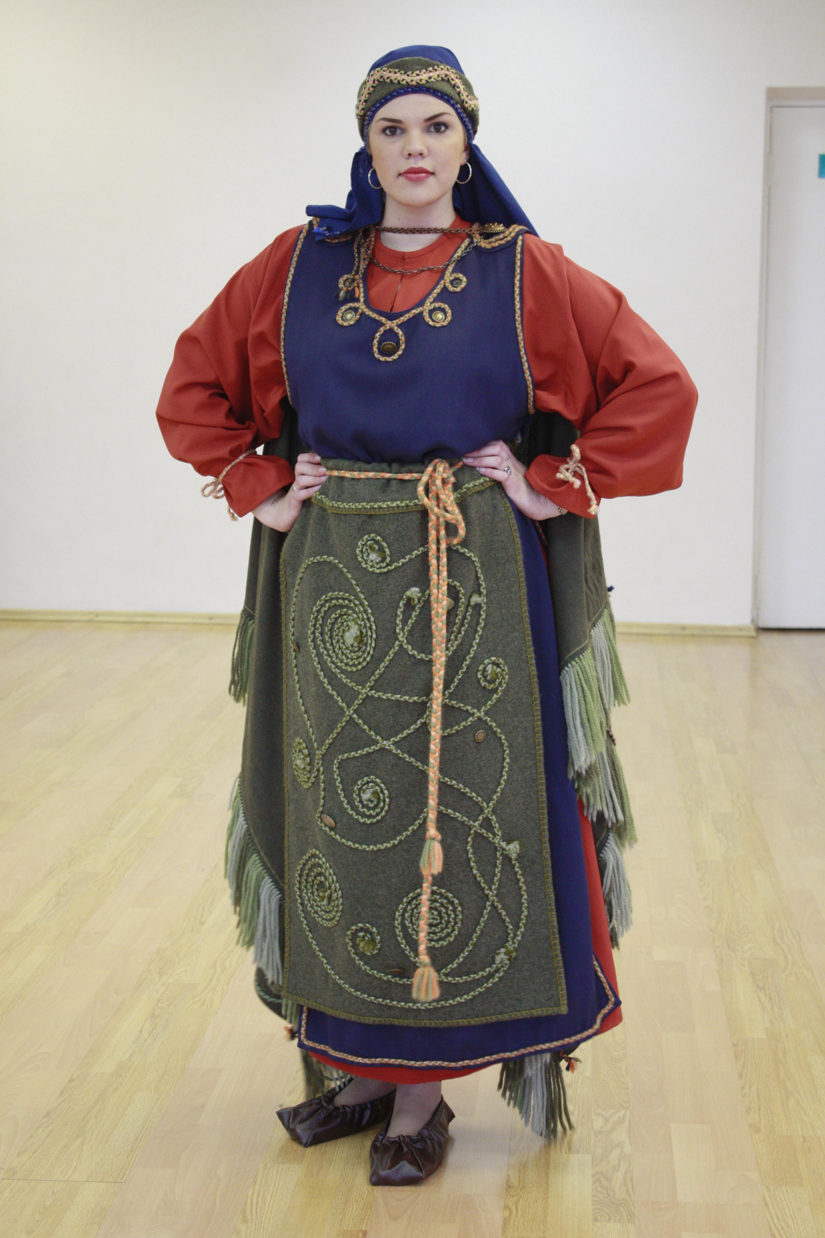 00aac429bf7 Мифология народа Коми стала основой при создании коллекций. Центральной  темой коллекции «Этника Севера» является сказочная повесть «Волшебный ...